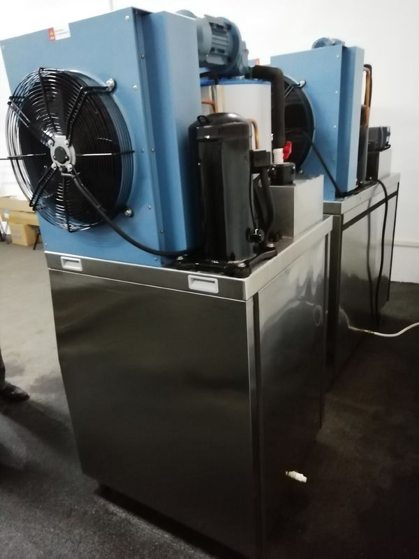 High Efficient  Air Cooling Flake Ice  Machine  380V 50Hz 5000kg/24h